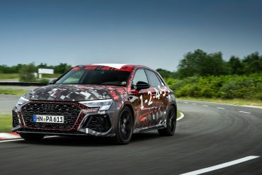 On the verge of swooning: Audi RS3 - Ride in a super compact