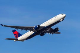 Passenger attacked flight crew on way to Atlanta