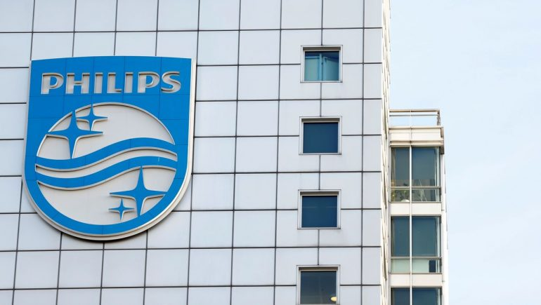 Philips held back half a billion due to bad ventilator