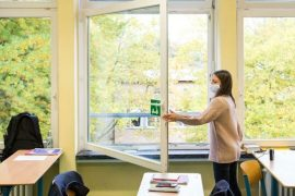 """""""The goal is not to have an air filter in every room"""": Berlin schoolchildren still learn from open windows after the holidays"""