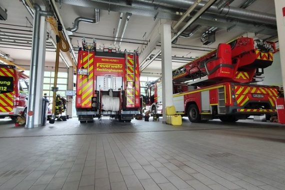 ^ FW-RE: Fire in a hotel room - three injured