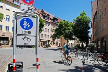 Parklet in Nuremberg: More of them, please!  - Nuremberg