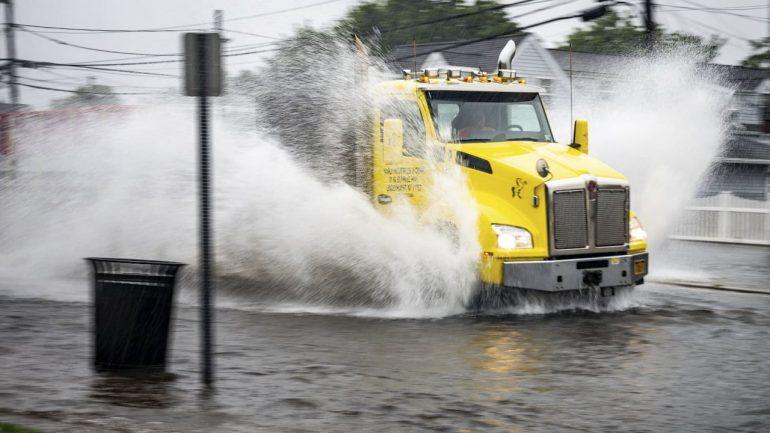 "Weather USA: Hurricane ""Elsa"" floods New York"