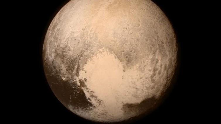 """Zwergplanet mit """"Herz"""": Pluto galt von 1930 bis 2006 als Planet  (NASA)"""