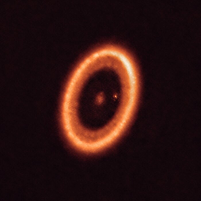 ALMA recording of the PDS70 system