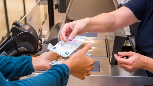 At Edeka, customers can receive their receipts digitally on their smartphone.