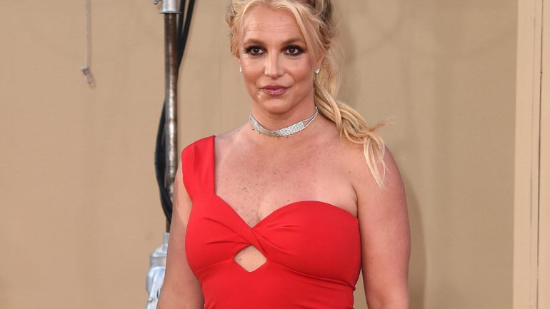 Britney Spears can choose her own lawyer