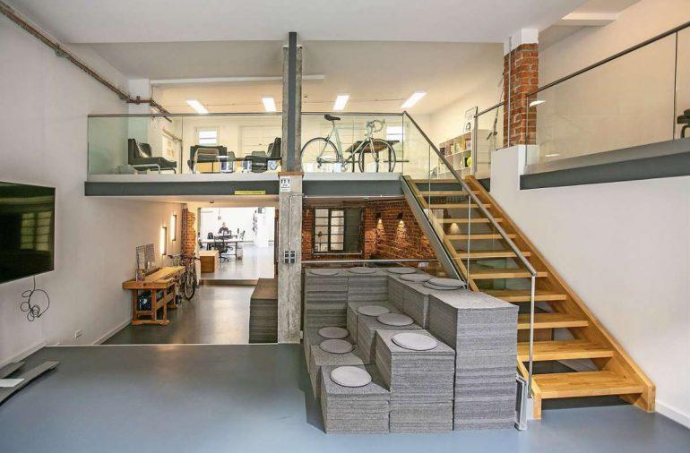 Das Makers Inn in der Küferstraße 46 bietet viel Platz, um kreative Ideen gemeinsam mit anderen Gründern zu entwickeln. Foto: Roberto Bulgrin