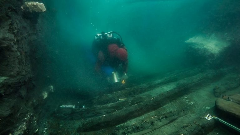 In a sunken city in Egypt: 2000-year-old part of a warship discovered