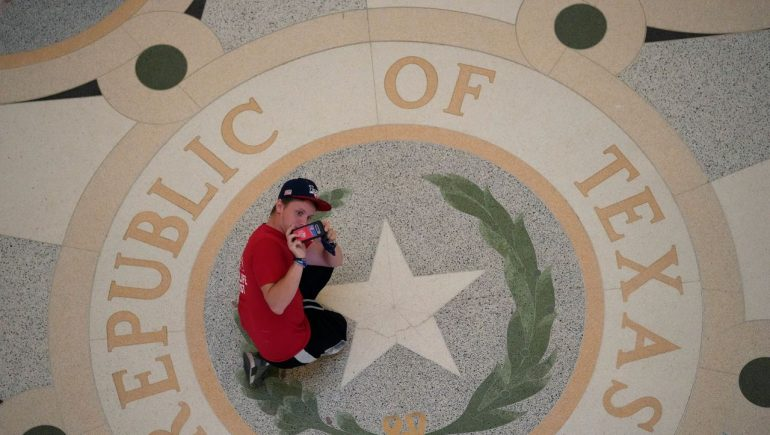 Texas: Stricter abortion laws to be enforced by citizens