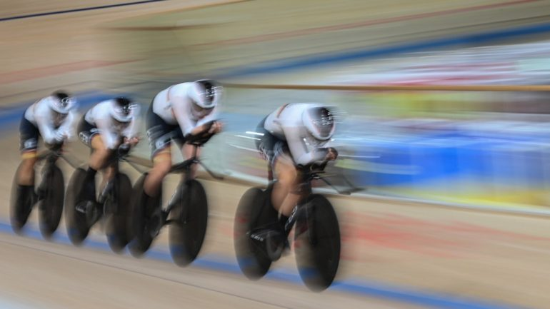 Olympia: Women's track bike foursome wins gold in world record time