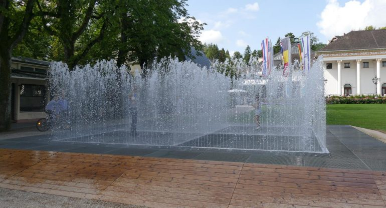 Danish artist Jeppe Hein in Baden-Baden: art finds the city