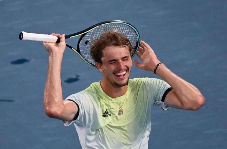 Alexander Zverev freut sich über seinen Sieg. Foto: dpa/Marijan Murat