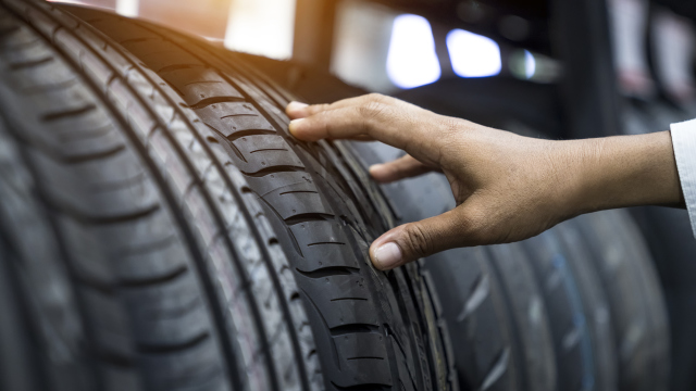 plastic car tyres?  New strategy in Continental