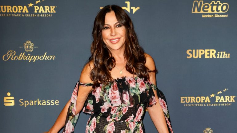 """Simone Thomalla: Strong solo appearance at """"Golden Henney"""" gala"""