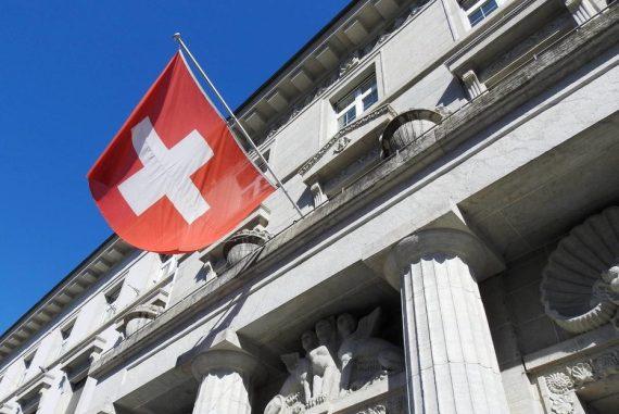 Aus Angst vor Rot-Rot-Grün: Deutsche Millionäre flüchten mit ihrem Vermögen in die Schweiz