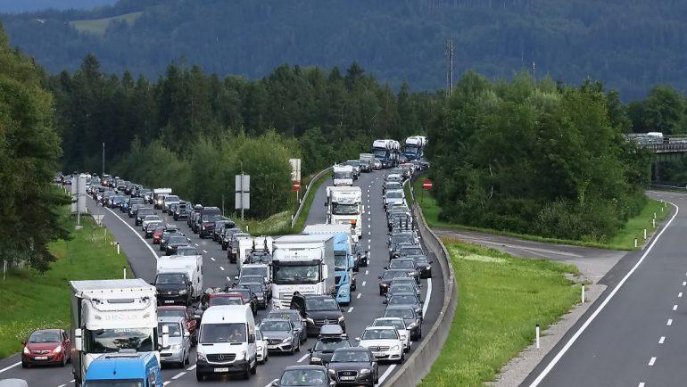 2500 km of road: Austria increasing toll