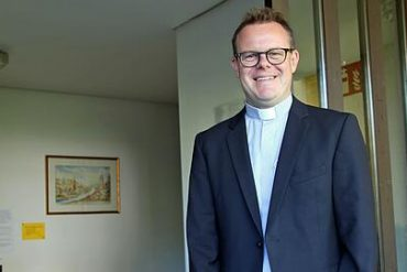 Andreas Kenitz has been introduced as the new pastor