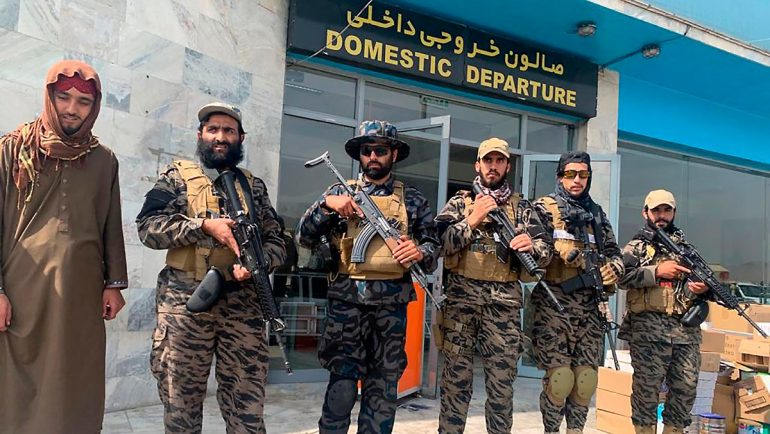 """""""As soon as possible"""": Qatar and the Taliban working on reopening the airport"""