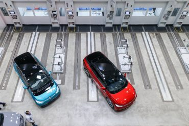 """""""Between leasing and sharing"""": VW now offering e-cars on a subscription basis"""