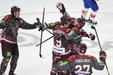 Lettland feiert die erfolgreiche Olympia-Qualifikation.  (Foto: dpa/picture alliance)