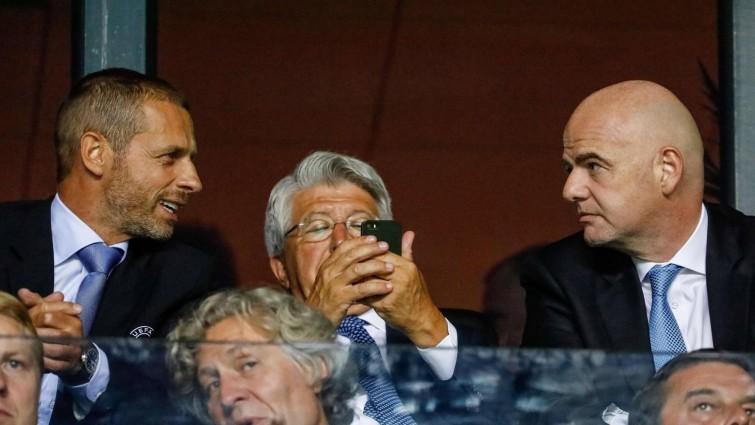 UEFA-Chef Aleksander Ceferin (links) mit Fifa-Boss Gianni Infantino (rechts).  (imago sportfotodienst)