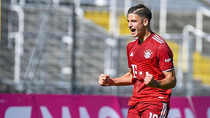 FC Bayern II's Nemanja Motika has already scored 13 goals this season.  (archive image)