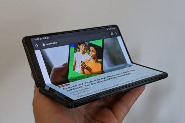 Google is strongly promoting foldable Samsung smartphones