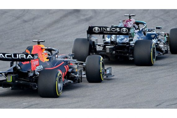 Red Bull is looking for Mercedes' secrets on the straights