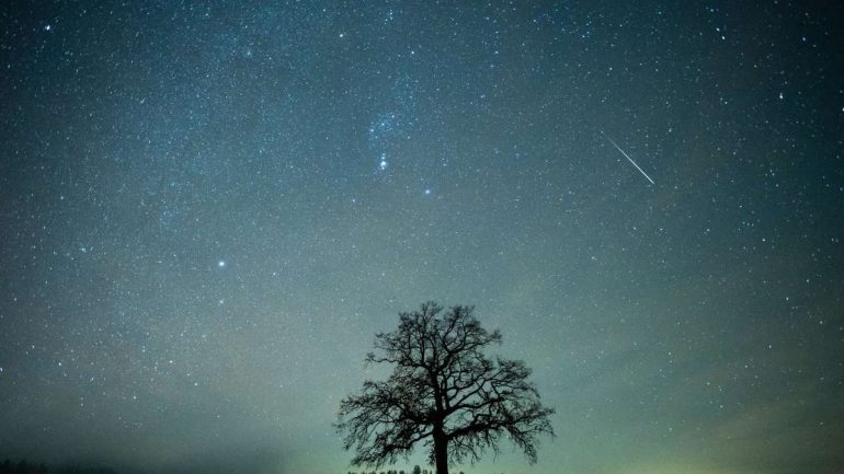 Shooting stars rain in Germany: this is how you can marvel at the Draconids today